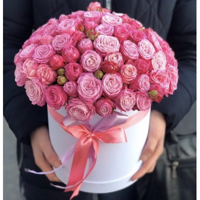 25 розовых пионовидных роз в коробке